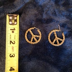 Vintage Engraved Dainty Peace Sign Earring